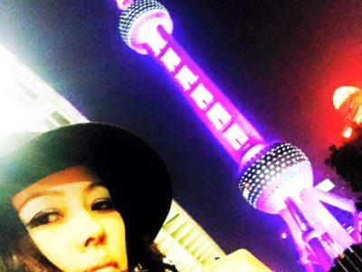 【これこそ一流の女!】その美貌と生き様とパワーは上海の街にも負けず劣らず!